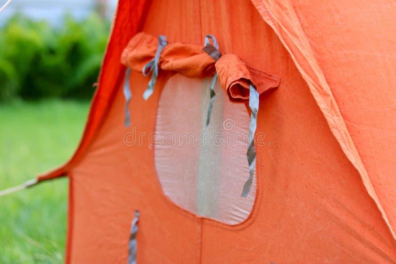 Tältfönster fotografering för bildbyråer