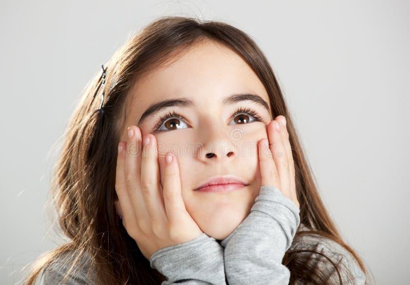 Tänka för liten flicka royaltyfri bild