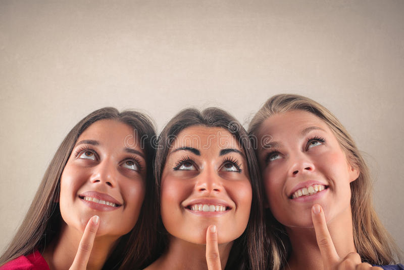 tänkande kvinnor arkivfoton