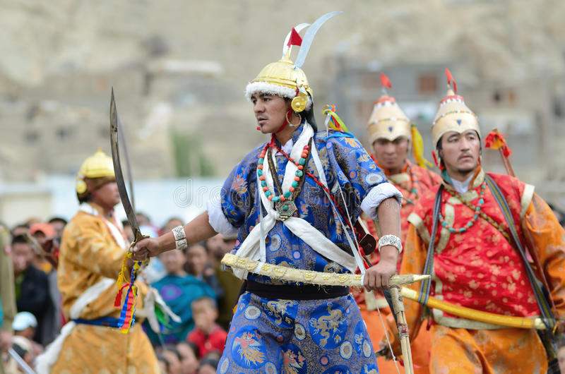 Tänzer auf Festival von Ladakh Erbe lizenzfreie stockbilder