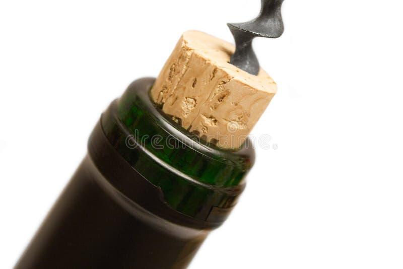 tät uncorking siktswine för flaska royaltyfria bilder