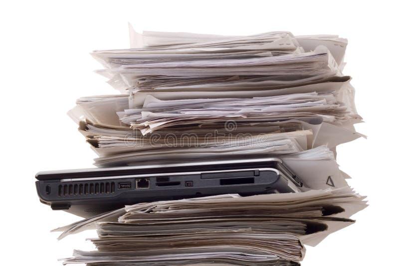 täta dokumentationsbärbar dator upp arkivbild