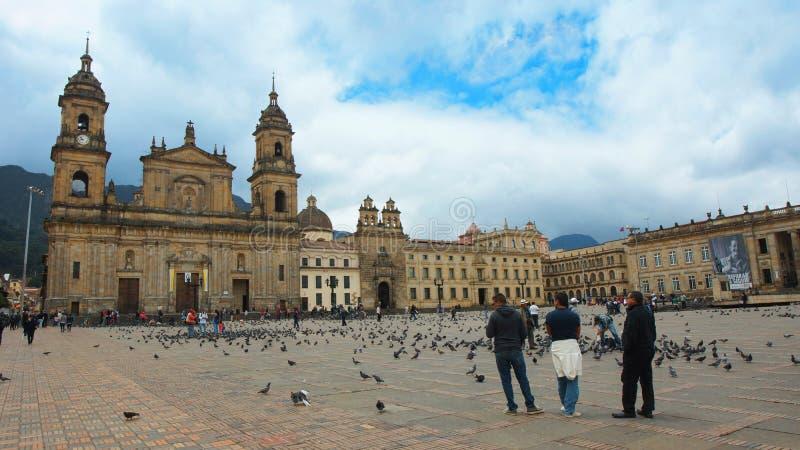 Tätigkeit in der Bolivar-Piazza im La-Candelaria-Bereich im Stadtzentrum der Stadt von Bogota lizenzfreie stockfotos