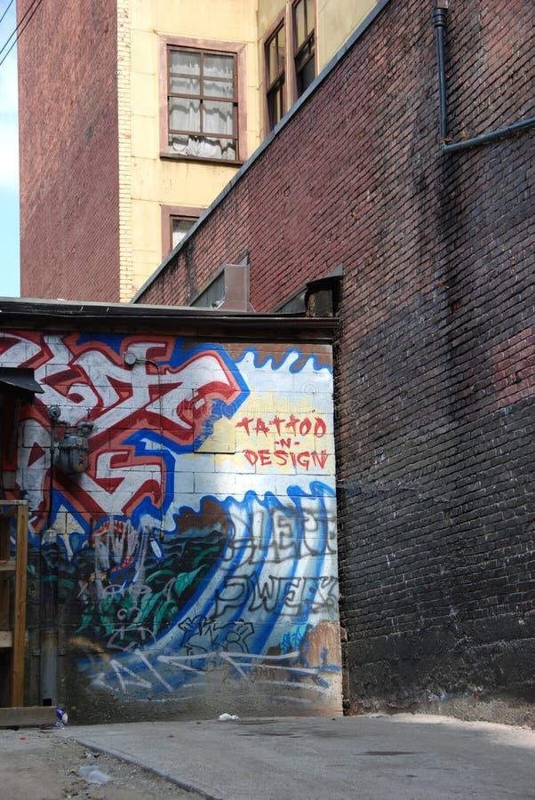 Tätowierung und Graffiti stockbilder