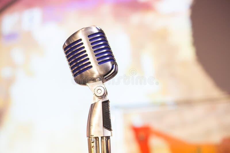 Tätt övre för mikrofon fotografering för bildbyråer