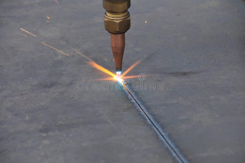 Tätt Ark För Cuttinggasmetall Upp Royaltyfri Foto