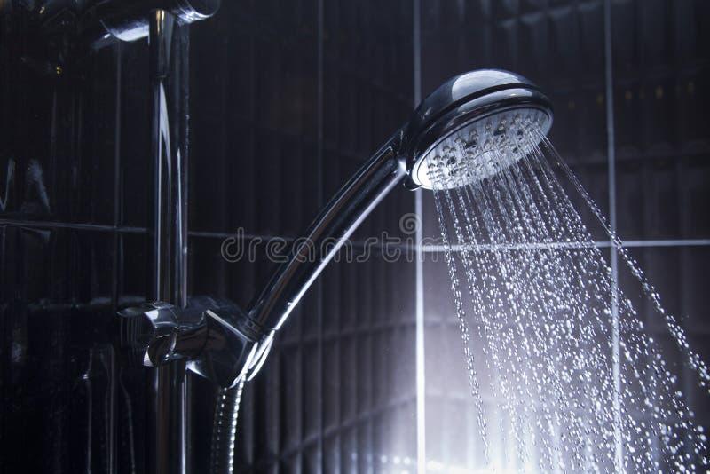 tätt huvud skjuten dusch upp royaltyfri bild
