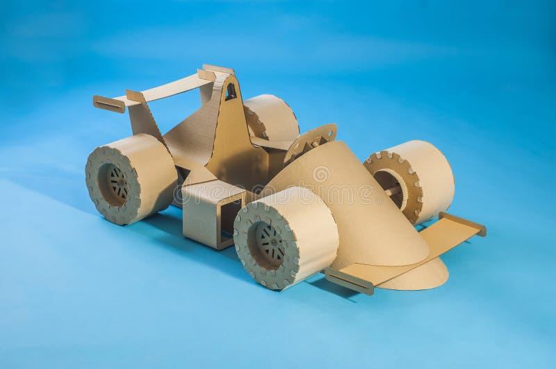 Tävlings- bil för papp fotografering för bildbyråer