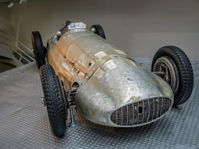 Tävlings- bil Mercedes Benz W154 för Oldtimer arkivfoton