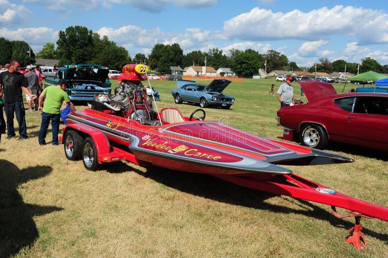 Tävlings- snabb motorbåt för hantverkvoodookanot royaltyfri bild