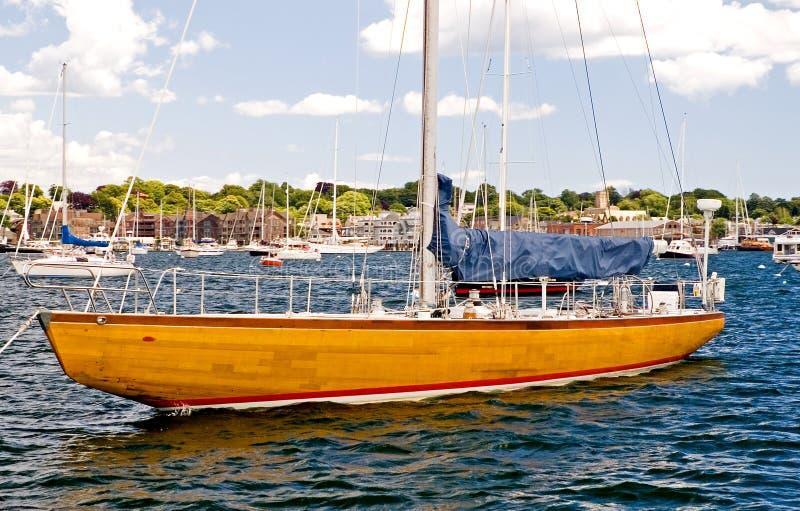 tävlings- yacht arkivbilder