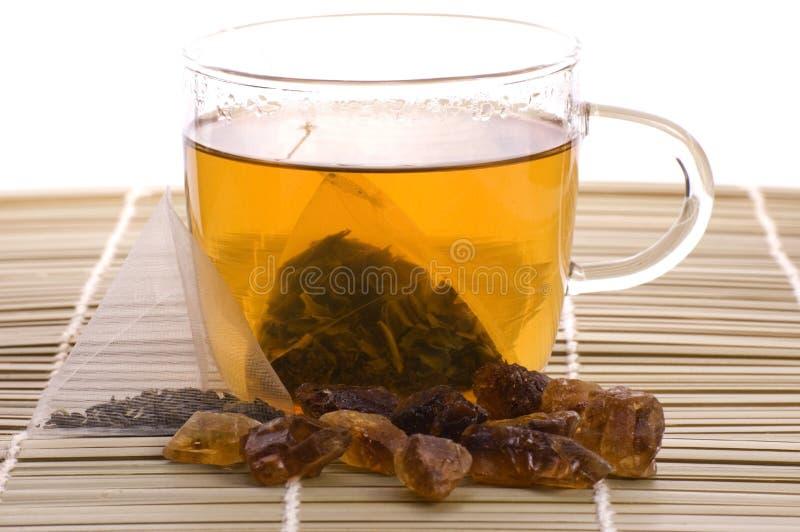 Tè bianco, bustina di tè di nylon e zucchero immagine stock libera da diritti