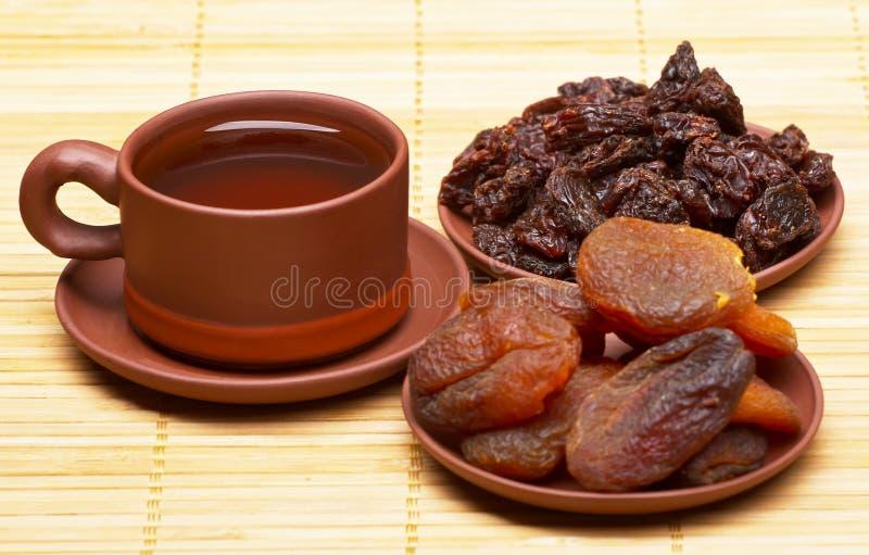 Tè cinese e frutti secchi immagini stock libere da diritti