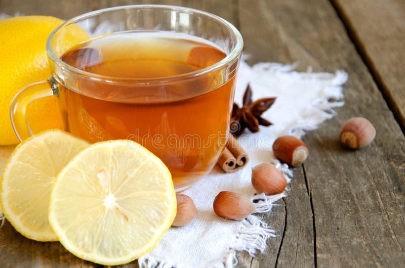 Tè con il limone immagini stock
