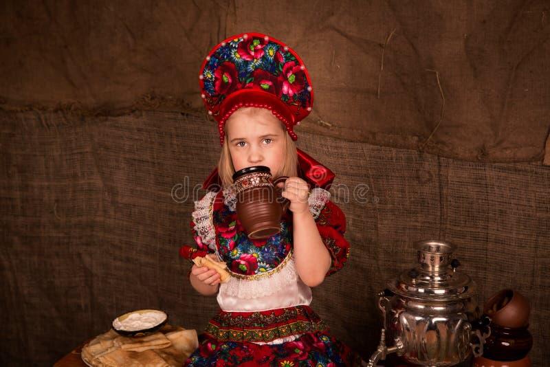Bella ragazza russa immagini stock libere da diritti