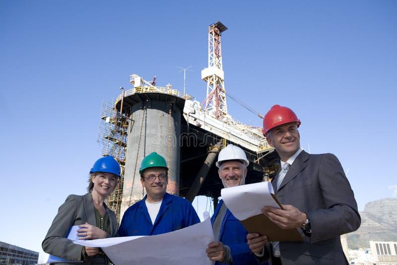 Tè di ingegneria di indagine dell'impianto offshore fotografie stock