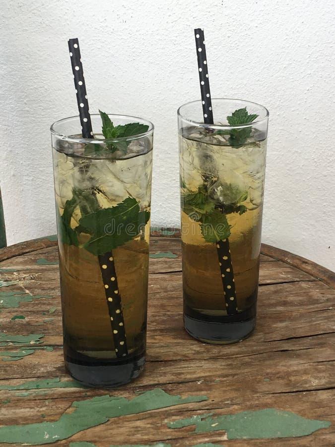 Tè verde con la menta fotografia stock libera da diritti