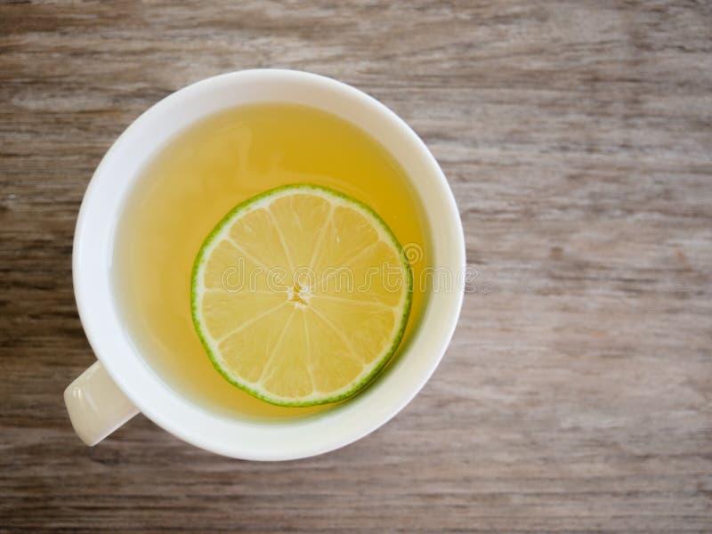 Té caliente de la miel del limón imágenes de archivo libres de regalías