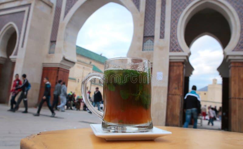 Té de la menta en Fes, Marruecos fotografía de archivo
