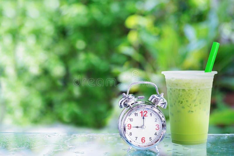 Té verde de la leche helada fotos de archivo