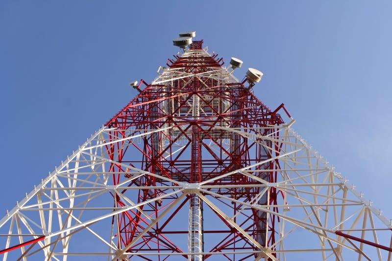Download Télécommunications photo stock. Image du métal, arbres - 734038