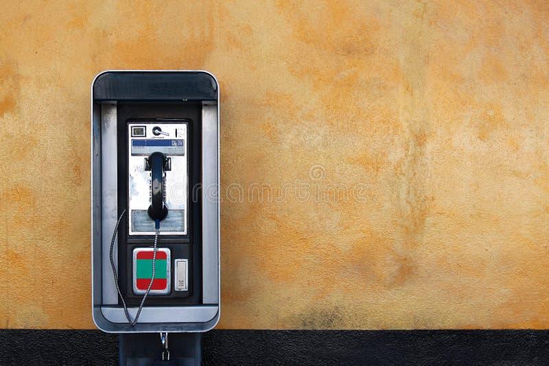 Téléphone de salaire public photo libre de droits