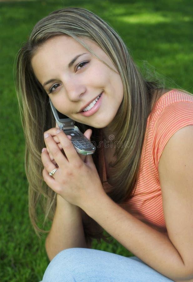 Téléphonez la fille photographie stock libre de droits