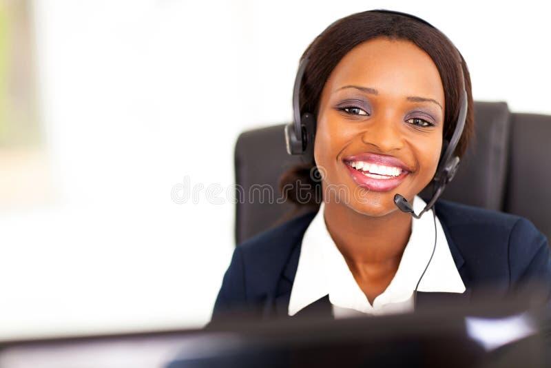 Téléphoniste d'Afro-américain image stock