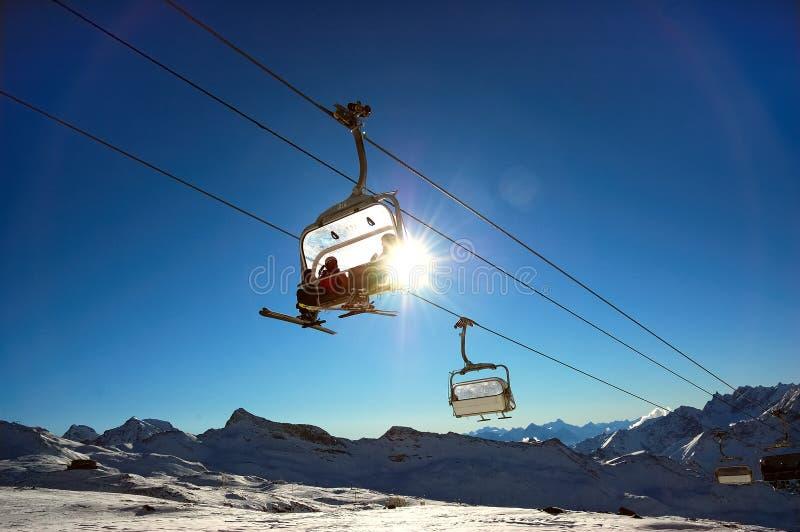 Télésiège de ski image stock