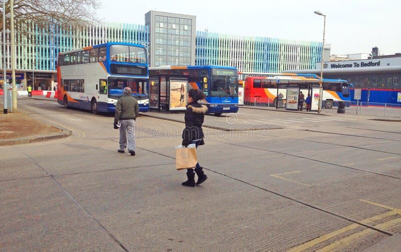 Término de autobuses, Bedford, Reino Unido imagenes de archivo