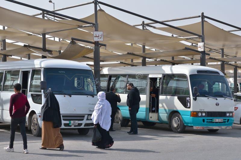 Término de autobuses de Tabarbour en Amman, Jordania imágenes de archivo libres de regalías