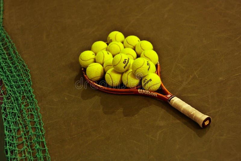 Tênis da raquete da bola imagem de stock royalty free