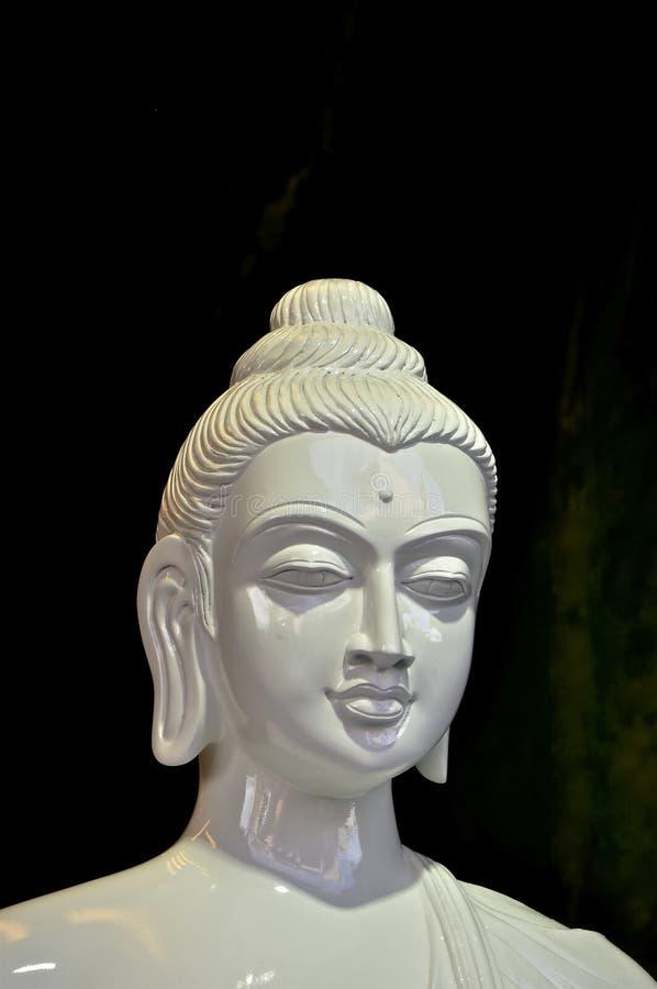 Tête blanche de Bouddha d'albâtre image libre de droits