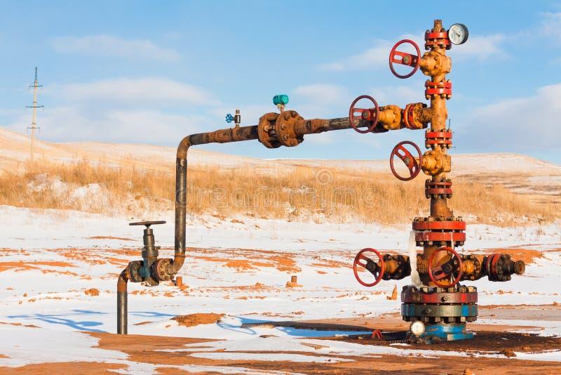 Tête de puits de pétrole images stock