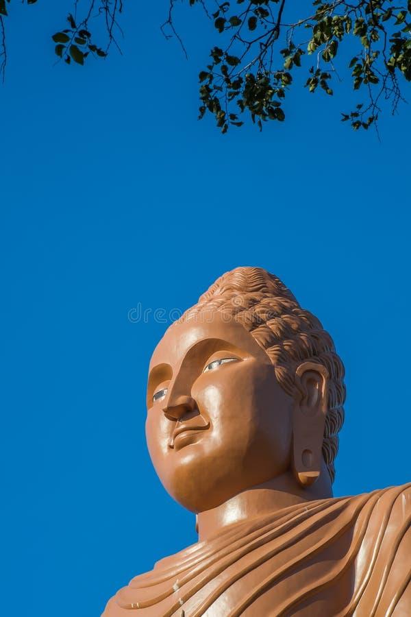 Tête du ` s de Bouddha, Kanchanaburi, Thaïlande images libres de droits
