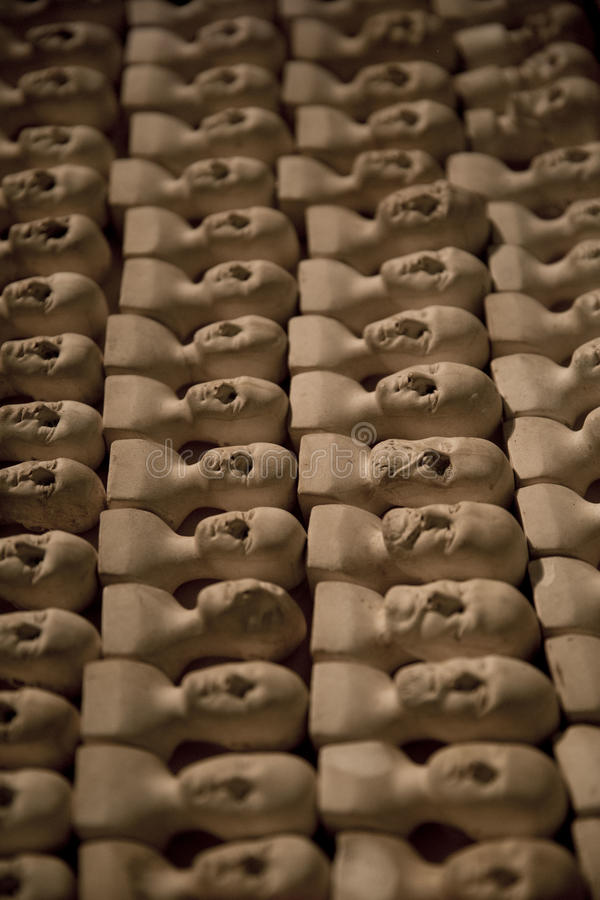 Têtes miniatures en céramique photo libre de droits
