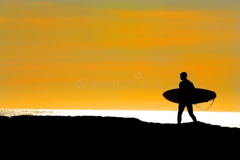 Título de la persona que practica surf para el Océano Pacífico foto de archivo libre de regalías