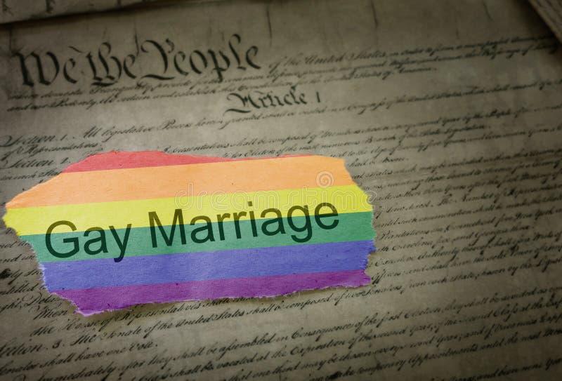 Título de las noticias del arco iris del matrimonio homosexual imagen de archivo
