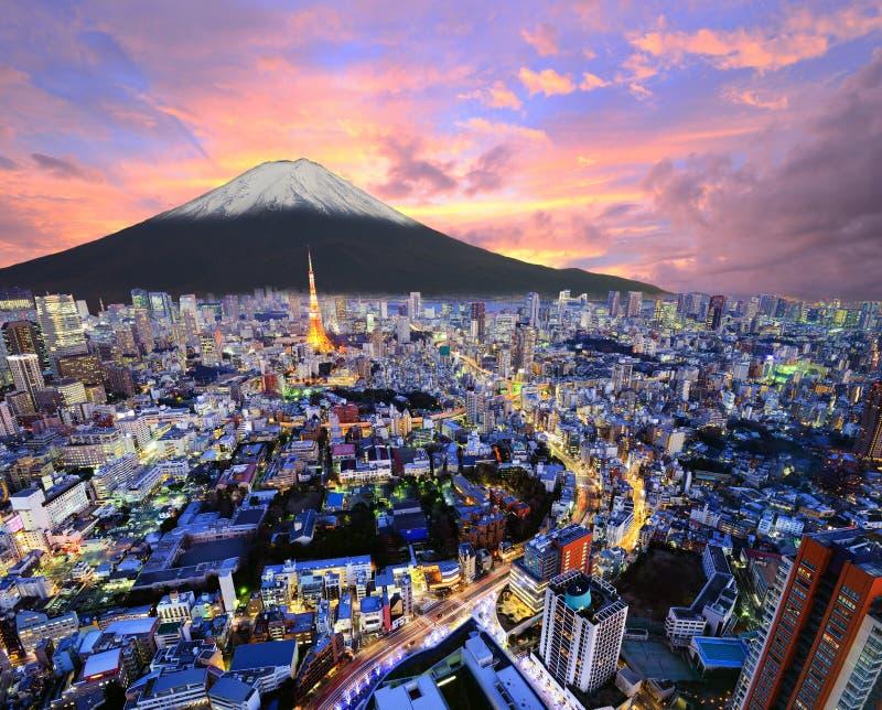 Tóquio e Fuji imagens de stock