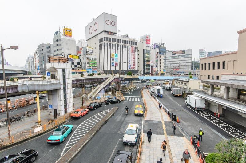 Tóquio, Japão - 19 de novembro de 2016: A estação de Ueno do JÚNIOR em Ueno d fotos de stock