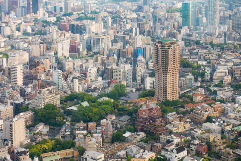 Tóquio Skycraper e tiro aeiral das construções altas da elevação imagens de stock