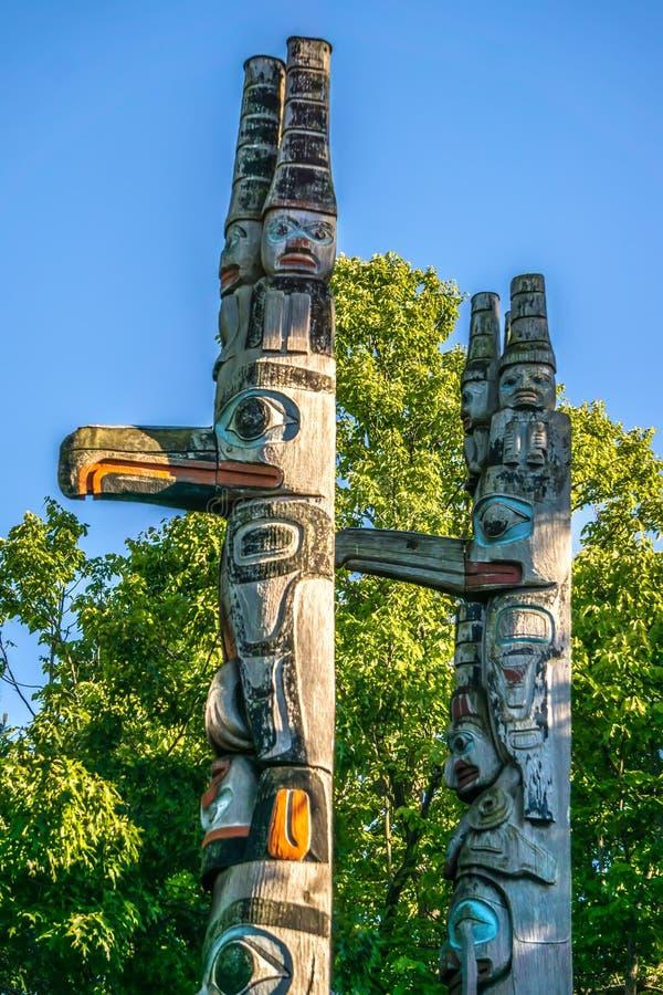 Tótem en el parque Victoria a.C. Canadá del thunderbird foto de archivo libre de regalías