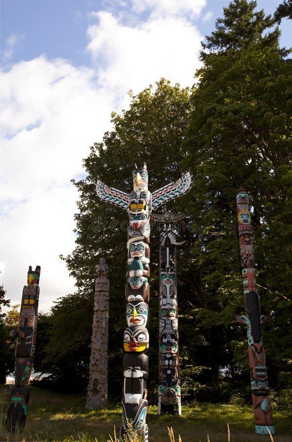 Tótemes en Stanley Park, Vancouver fotos de archivo