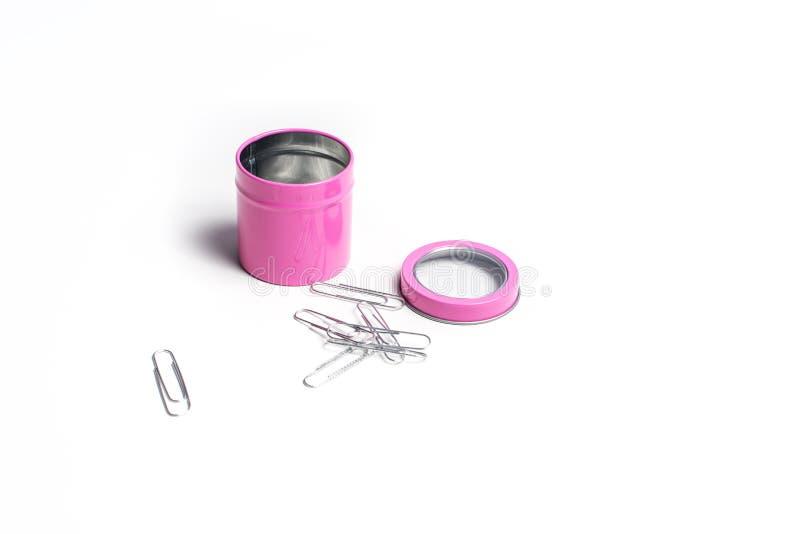 Tôle rose avec clips de papier photographie stock libre de droits