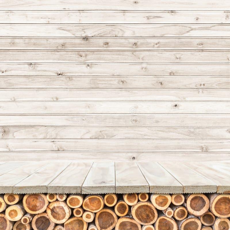 Download Töm överkanten Av Den Trätabellen Eller Räknaren På Wood Bakgrund Fotografering för Bildbyråer - Bild av kök, inre: 76700801