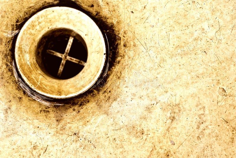 töm den gammala rostiga vasken fotografering för bildbyråer