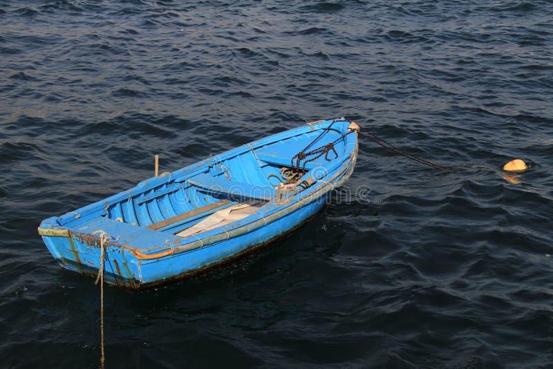 Töm det blåa fartyget  fotografering för bildbyråer