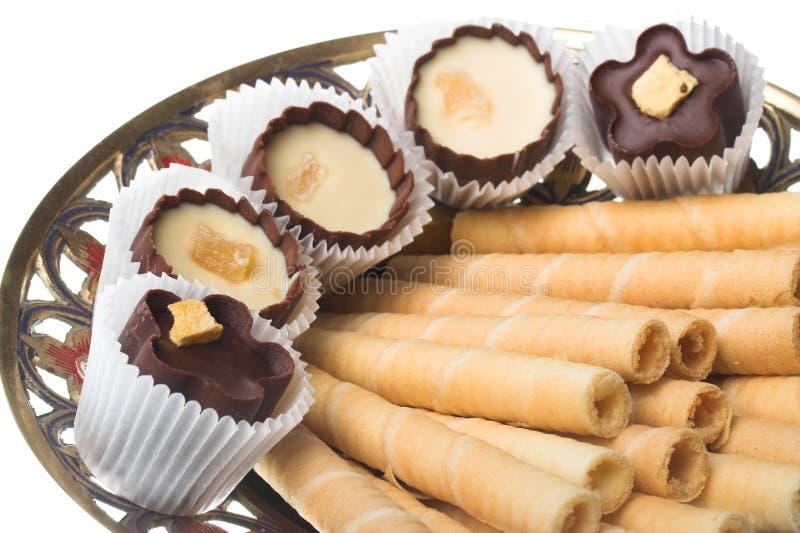 Túbulos de la oblea con los dulces imagen de archivo