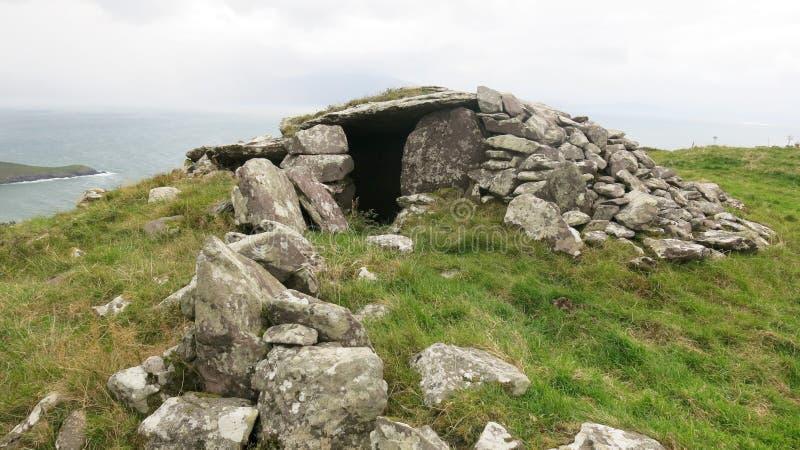 Túmulo antigo do enterro de Poukauncorrin fotografia de stock royalty free