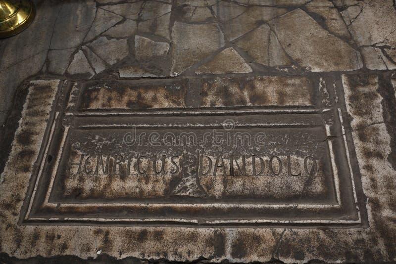 Túmulo de Enrico Dandolo, doge de Veneza imagens de stock royalty free